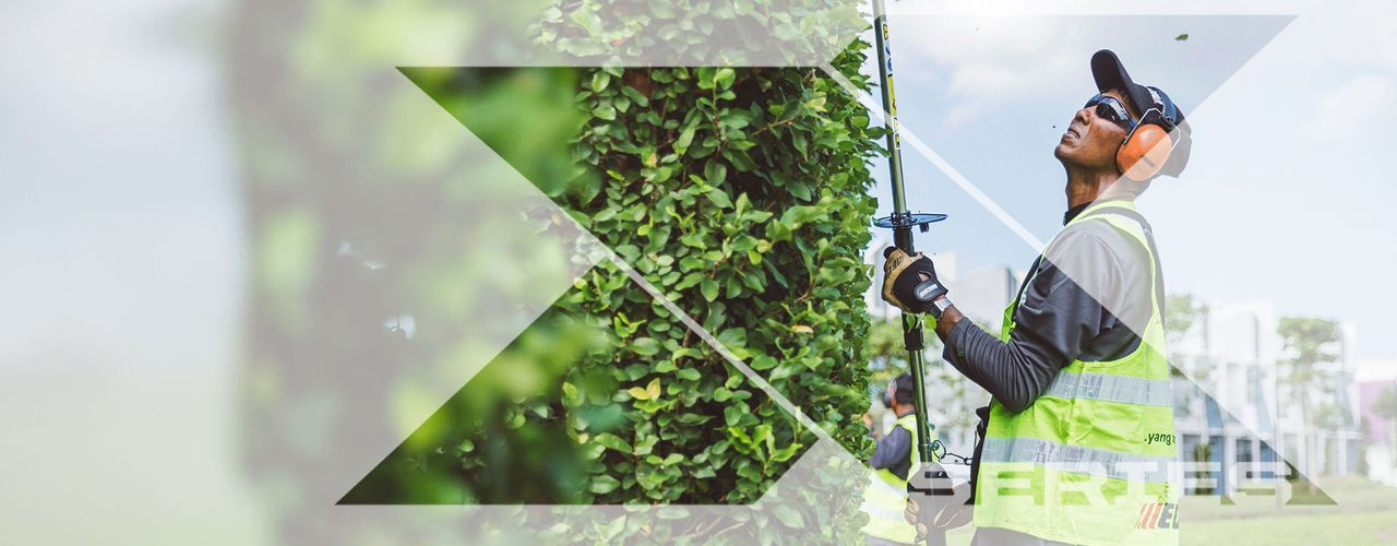 X Series Hedge Trimmer