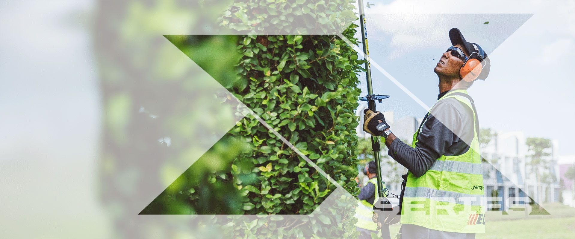 X Series Hedge Trimmers