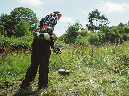 How to use a brushcutter like a pro - handy tips.